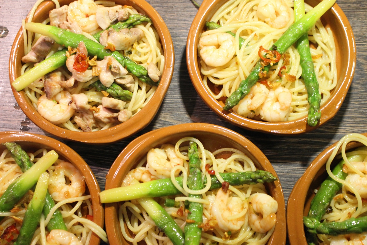 King Prawn Linguine with Chilli and Asparagus